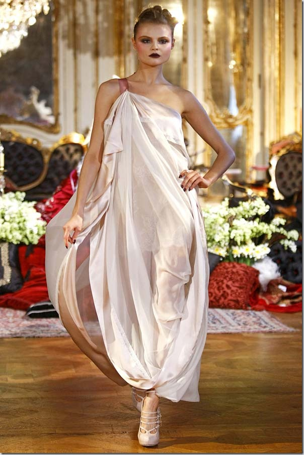 Saptamana modei la Paris: John Galliano Fall 2011