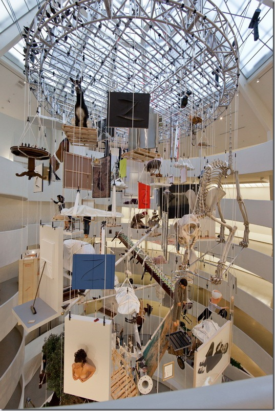 Expozitia retrospectiva de la Maurizio Cattelan la New York