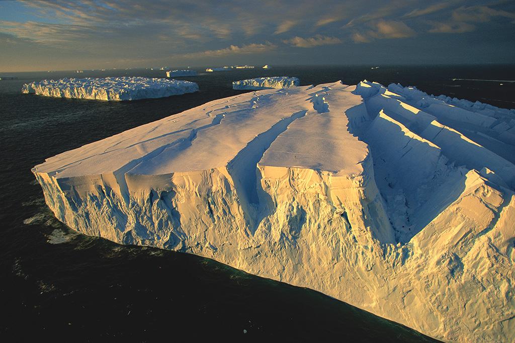 Icebergs off the Adelie coast (South Pole).