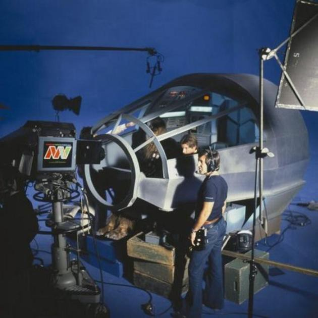 Filmare a legendarului Star Wars la interiorul navei spatiale Millenium Falcon