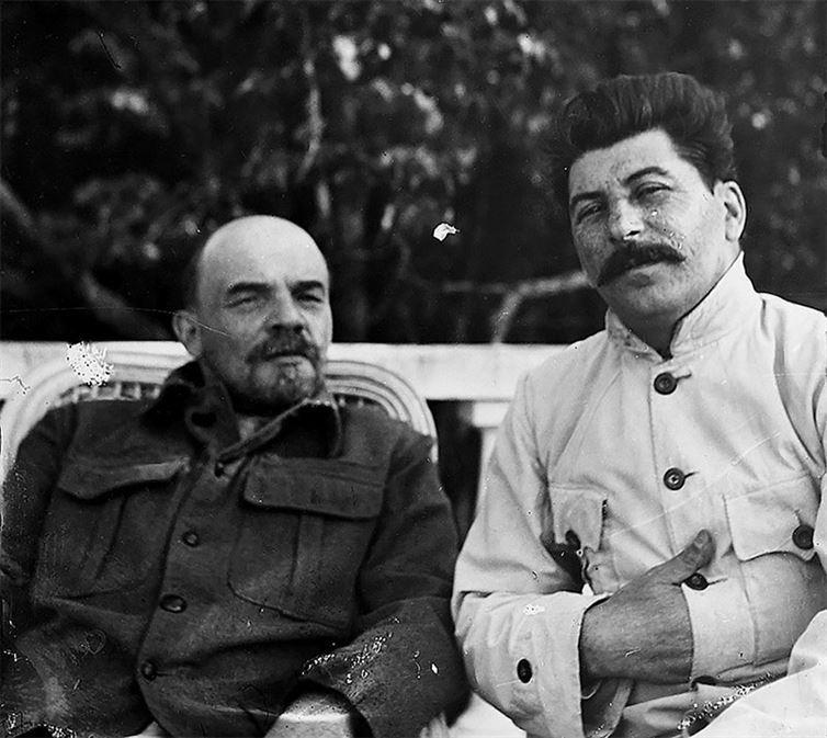 Lenin și Stalin în Gorki. 1922.