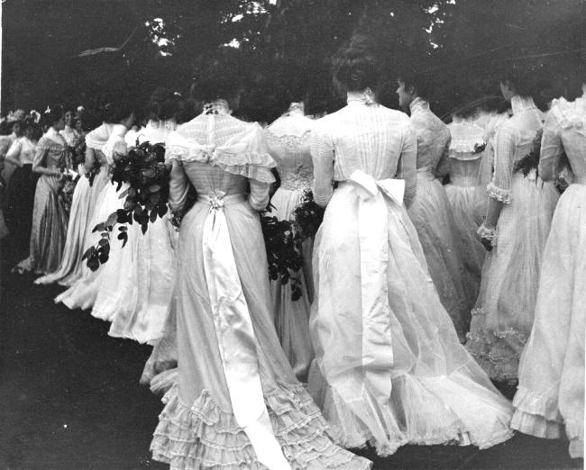 Absolvire, 1895
