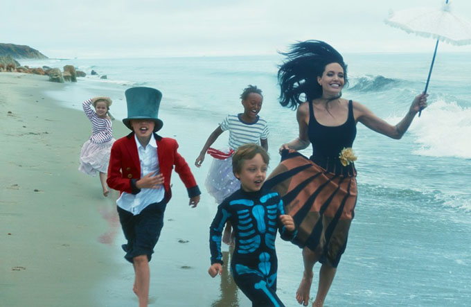 Angelina Jolie si familia ei in Vogue