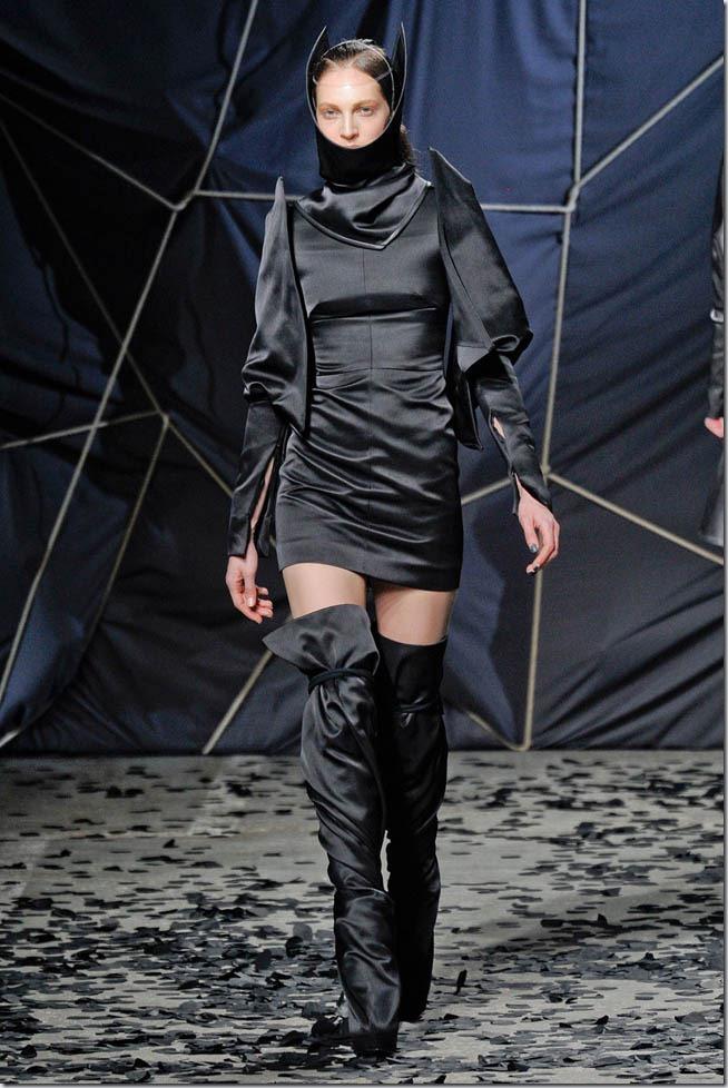 Saptamana modei la Paris: Gareth Pugh (toamna 2012)