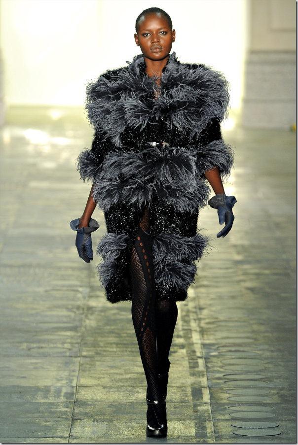 Saptamana modei la Londra: Topshop Unique Fall 2011
