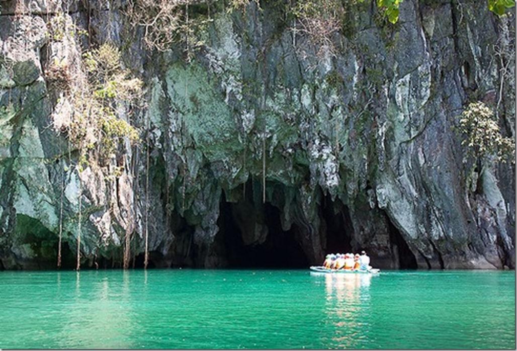 Filipine. Sabang. Raul subteran si padurea de mangrove