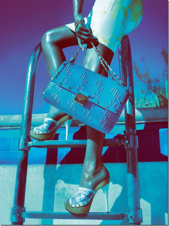 Campania publicitara: Gisele Bundchen pentru Versace SS 2012