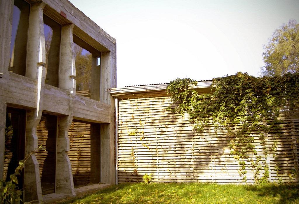 Casa locuinta de la maxim kaluzhak zifun for Casa moderna in moldova
