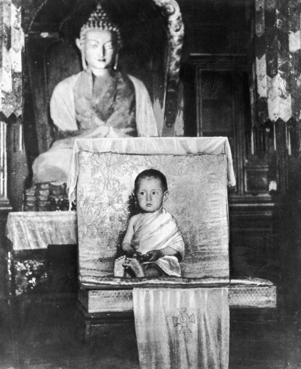 Dalai Lama, in varsta de 2 ani. 1937