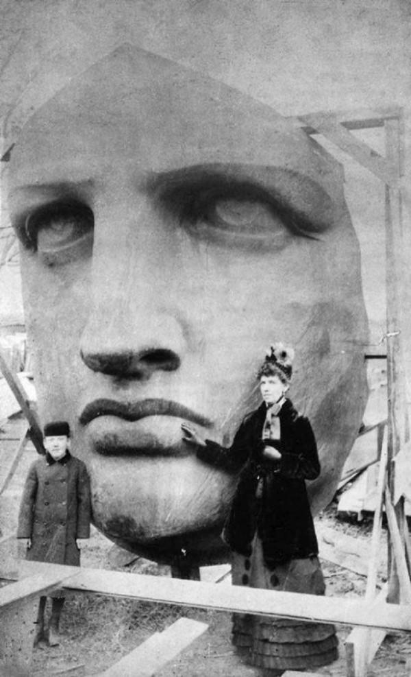 Despachetarea capul statuii de libertate, 1885.